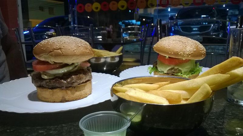 antonios-hamburgueria-criciuma-hamburgueres-ale-koga